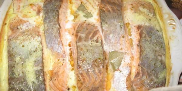 Форель, запеченная в духовке (целиком, в фольге): рецепты
