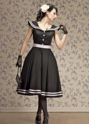 Темное платье ретро
