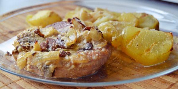 Баранья грудинка с картошкой