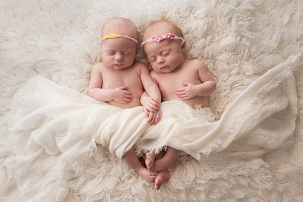 спящие близнецы