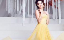 желтый цвет наряда