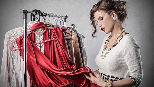 выбор цвета платья на новый год