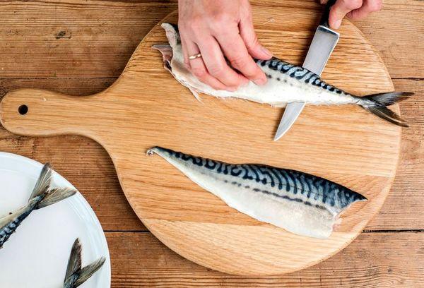Очистка рыбы от внутренностей