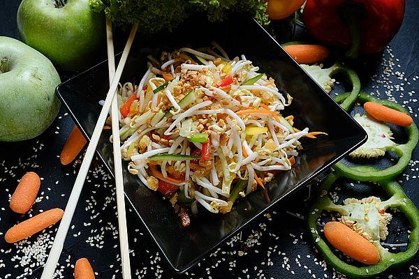Тайский салат к празднованию нового года
