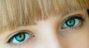 Изменение цвета глаз с помощью линз