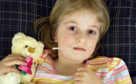 Ребенок болеет мононуклеозом