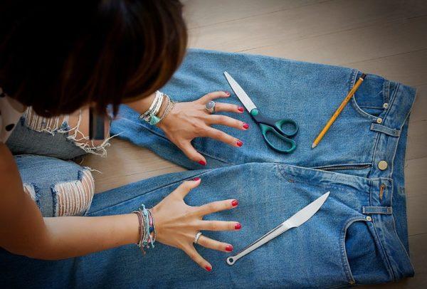 Переделка старых джинсов