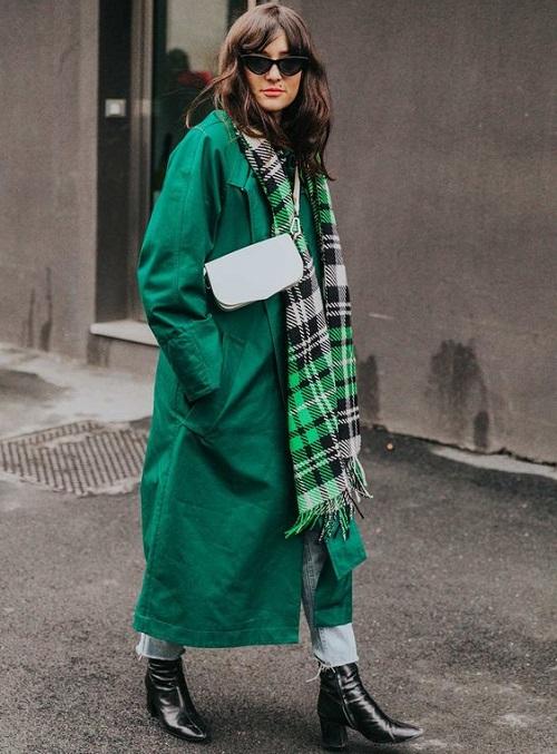 Шарф на женское пальто