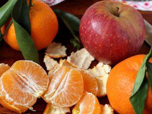 Цитрусовые и яблоки