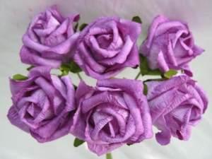 Розы из гофрированной бумаги