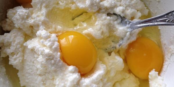 Яйца с творогом