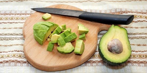 Авокадо нарезать