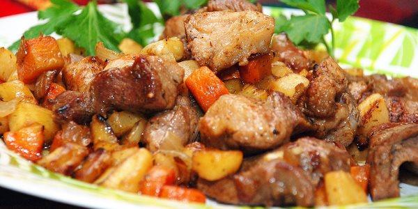 Грудинка с овощами