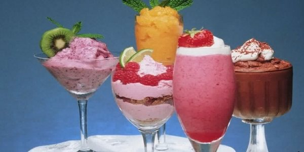 Коктейли с мороженым
