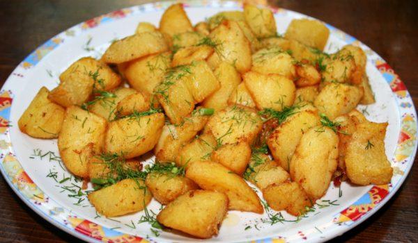 Картофель по-деревенски с укропом