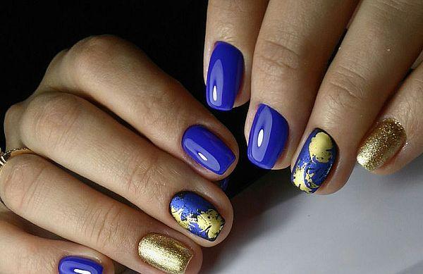 синий лак и золотая фольга