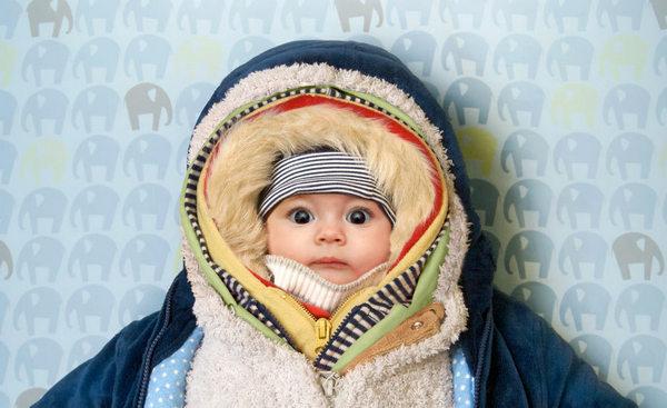 Тепло одетый ребенок