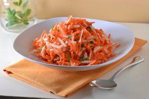 Салат из моркови и корнеплода