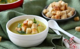 Суп-пюре с гренками
