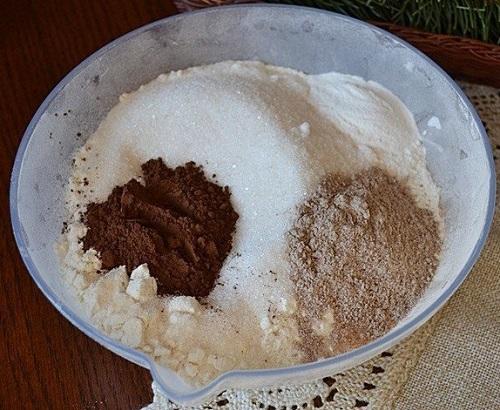 Смешивание какао с мукой
