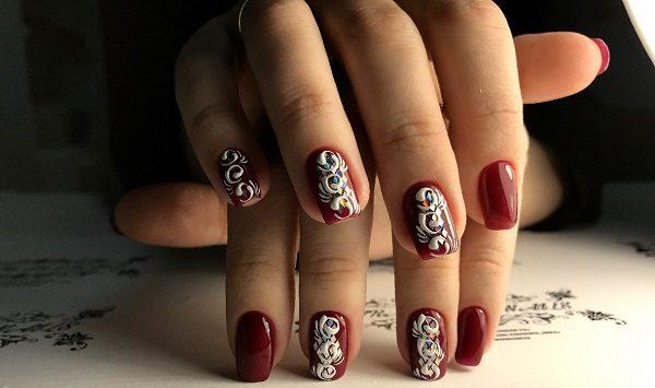 Вензеля на ногтях