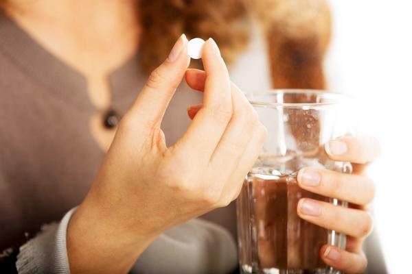 Прием медикаментов для лечения