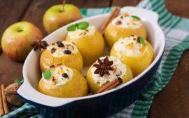 Запеченные яблоки с творогом
