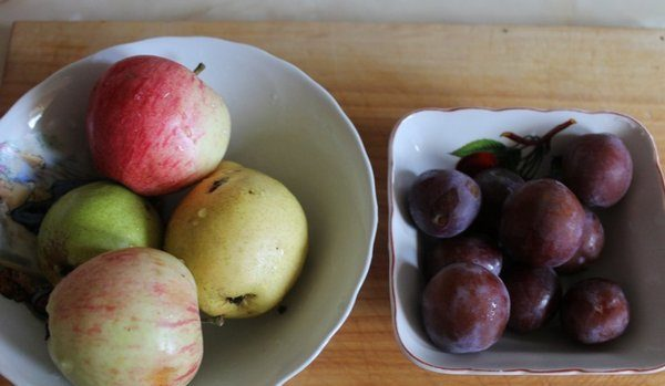 Яблоки и сливы для пастилы