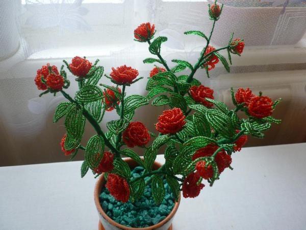 Кустовая роза из бисера