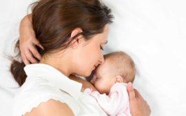 грудное вскармливание младенца