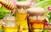 свежий мед в банке