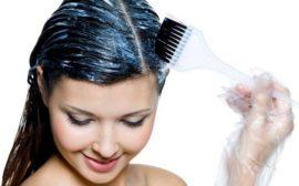 нанесение маски для волос