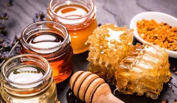 соты и жидкий мед