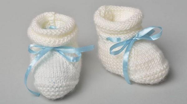 маленькая обувь для новорожденного