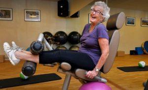 бабуля в спортзале