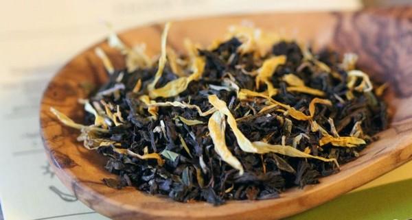 тимьян с черным чаем