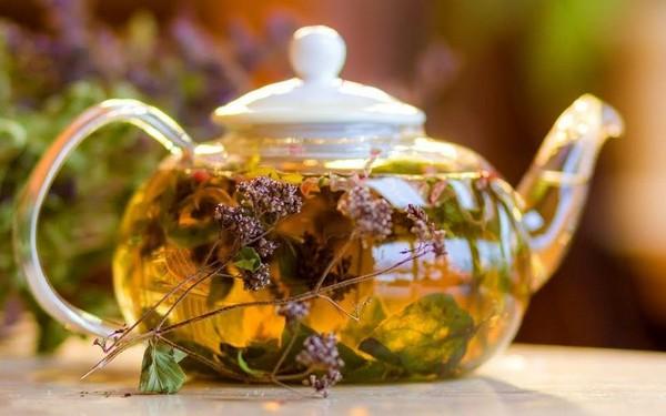 ароматный травяной напиток