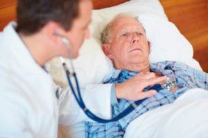 Осмотр пациента при инфаркте