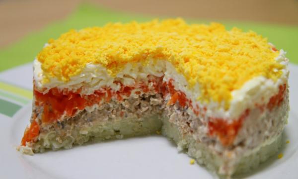 Салат Мимоза с рыбной консервой