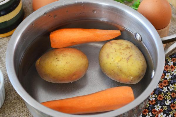 Отварная морковь и картофель